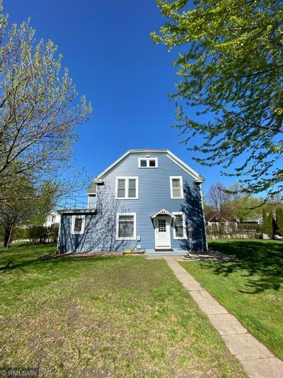 205 N RENVILLE ST, Winthrop, MN 55396 - Photo 2