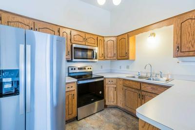 7648 STEEPLEVIEW RD, Woodbury, MN 55125 - Photo 2