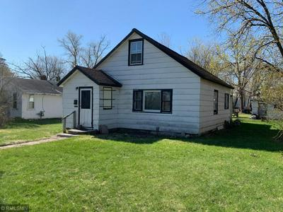 517 1ST ST NW, Aitkin, MN 56431 - Photo 2