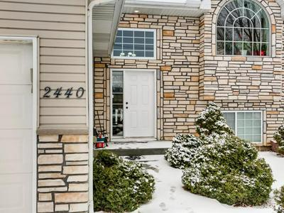 2440 VALLEY VIEW RD, SHAKOPEE, MN 55379 - Photo 1