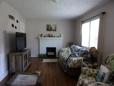 405 WILLOW CIR, Pearisburg, VA 24134 - Photo 2