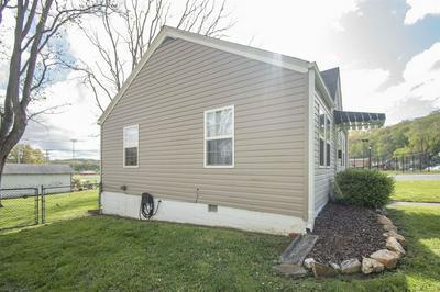 400 CLEMENT ST, Radford, VA 24141 - Photo 2