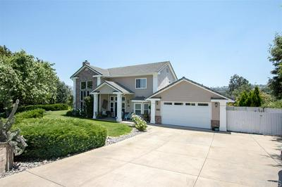 1794 VISTA DEL LAGO, Fallbrook, CA 92028 - Photo 2