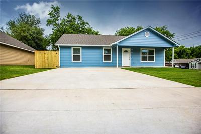 500 E SOUTH ST, Whitesboro, TX 76273 - Photo 2