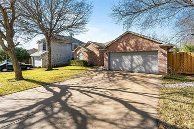 4315 DERBY CT, Grand Prairie, TX 75052 - Photo 2