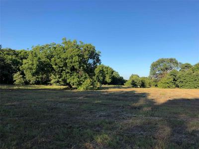 562 BARNES RD, Cleburne, TX 76031 - Photo 1