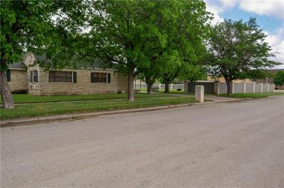 133 SW AVENUE B, Hamlin, TX 79520 - Photo 2