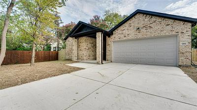 204 S PARK ST, Terrell, TX 75160 - Photo 2
