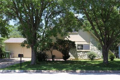 772 PONDEROSA DR, Hurst, TX 76053 - Photo 2