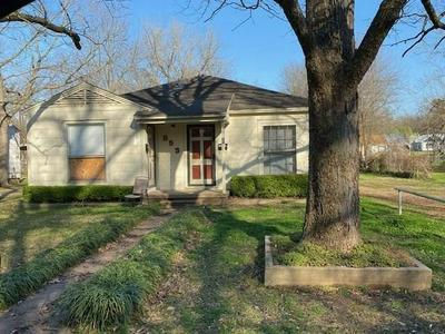 853A 17TH ST SE, PARIS, TX 75460 - Photo 1