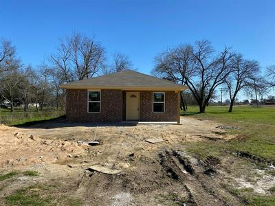 119 W MARRION ST, ITASCA, TX 76055 - Photo 2