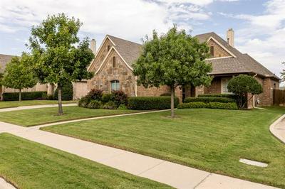 7721 SILVERLEAF DR, North Richland Hills, TX 76182 - Photo 1