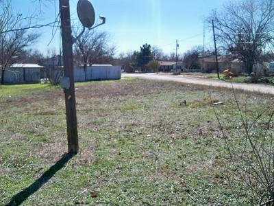 300 E 4TH ST, Coleman, TX 76834 - Photo 2