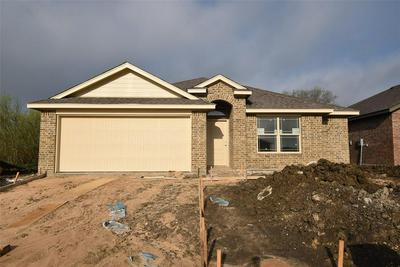 210 HUBBARD ST, Hillsboro, TX 76645 - Photo 1