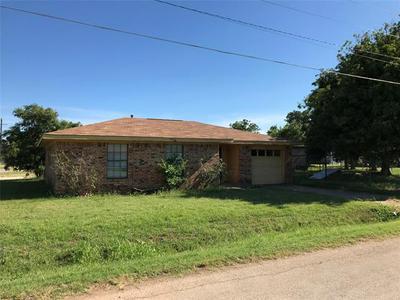 410 E CUSTER ST, Seymour, TX 76380 - Photo 1