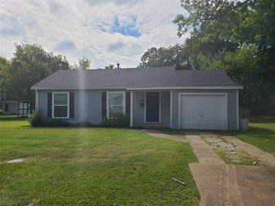 403 ELIZABETH ST, Terrell, TX 75160 - Photo 1