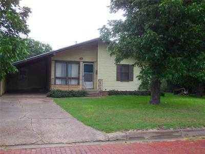 520 MESQUITE ST, Ranger, TX 76470 - Photo 1