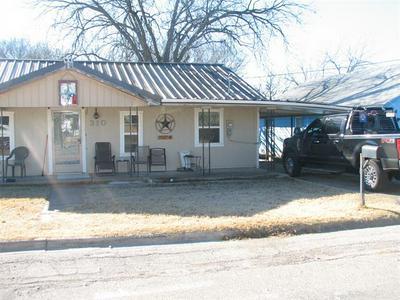 310 E 7TH ST, Coleman, TX 76834 - Photo 1