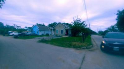 1831 ETTA ST, Fort Worth, TX 76105 - Photo 2