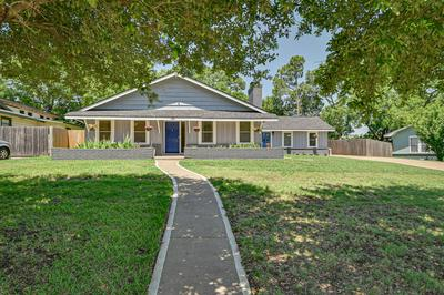 100 OAKWOOD DR, Keene, TX 76059 - Photo 1