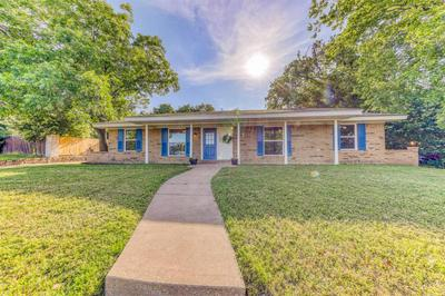 1208 FOSTER LN, Weatherford, TX 76086 - Photo 1
