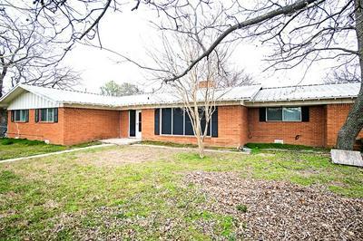 1301 N MATTHEWS ST, BOWIE, TX 76230 - Photo 2