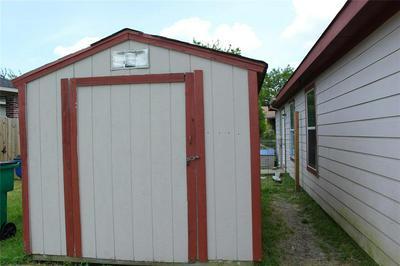 1711 MANOR GARDEN CURV, Greenville, TX 75401 - Photo 2