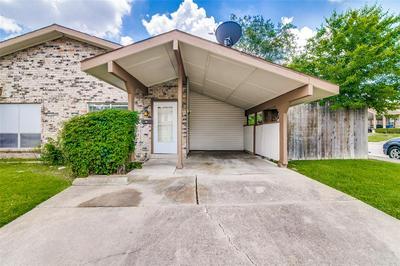 716 SCEPTRE CIR, Garland, TX 75043 - Photo 2