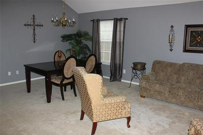 5652 BEDFORD LN, The Colony, TX 75056 - Photo 2