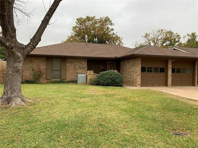 3766 VARSITY LN, Abilene, TX 79602 - Photo 2
