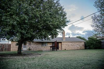 10 COUNTRY CV, ALBANY, TX 76430 - Photo 2