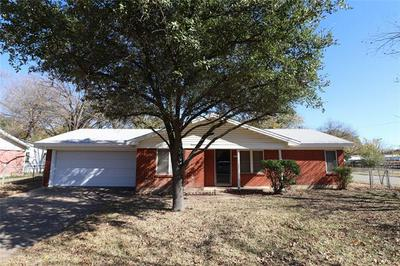 2308 12TH ST, Brownwood, TX 76801 - Photo 2