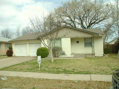 2805 SANDERS DR, GARLAND, TX 75042 - Photo 1