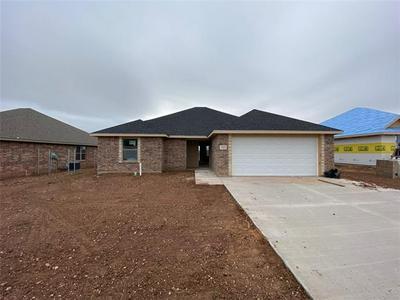 325 SPRING PARK WAY, Abilene, TX 79602 - Photo 2