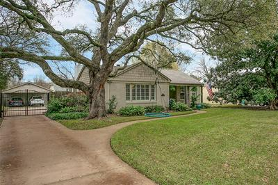 3712 S HILLS AVE, FORT WORTH, TX 76109 - Photo 1
