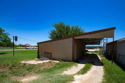 332 COMMERCIAL AVE, Anson, TX 79501 - Photo 2