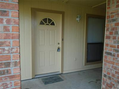 7505 CONNIE LN, North Richland Hills, TX 76182 - Photo 2