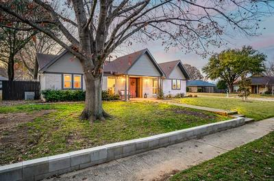 2150 ROBIN RD, Lewisville, TX 75077 - Photo 2