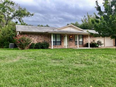 405 SW GREGORY ST, Burleson, TX 76028 - Photo 2