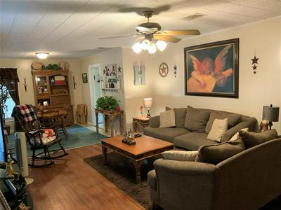 1812 N CULBERSON ST, Gainesville, TX 76240 - Photo 2