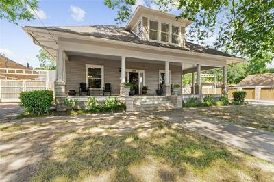 105 N MERRIMAC ST, Weatherford, TX 76086 - Photo 1