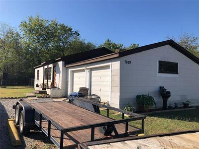 7629 COLTON DR, White Settlement, TX 76108 - Photo 2