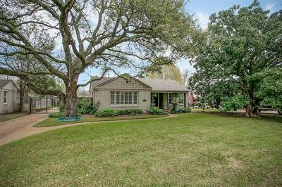 3712 S HILLS AVE, FORT WORTH, TX 76109 - Photo 2