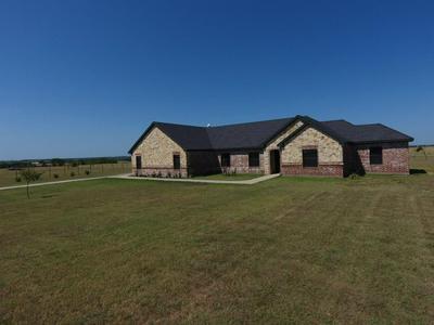 226 HAWK RIDGE RD, Decatur, TX 76234 - Photo 2