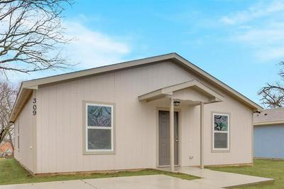 309 N MORRIS ST, Gainesville, TX 76240 - Photo 1