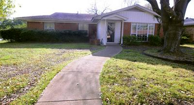 1201 SUNSET DR, ENNIS, TX 75119 - Photo 1
