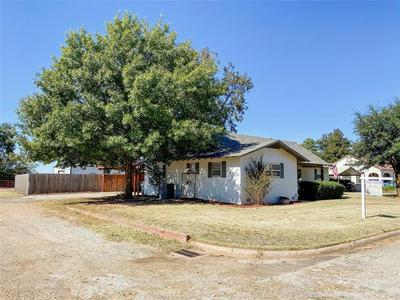 201 ARKANSAS, Seymour, TX 76380 - Photo 2