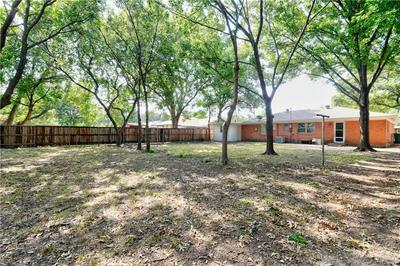 187 YALE AVE, LEWISVILLE, TX 75057 - Photo 2