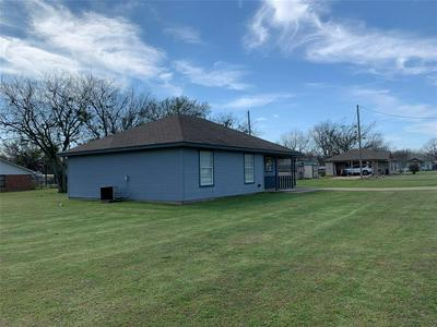 401 W WILSON AVE, WHITNEY, TX 76692 - Photo 2