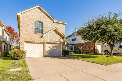 4920 CORAL CREEK DR, Fort Worth, TX 76135 - Photo 2